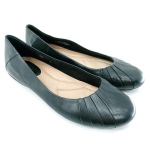 Earth Bellwether Black Leather Flats